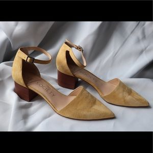 Sole Society Leather Pointed mustard
